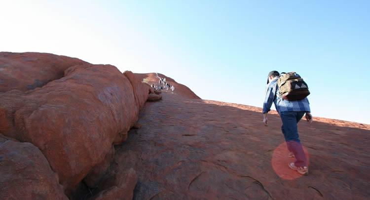 uluru_climb