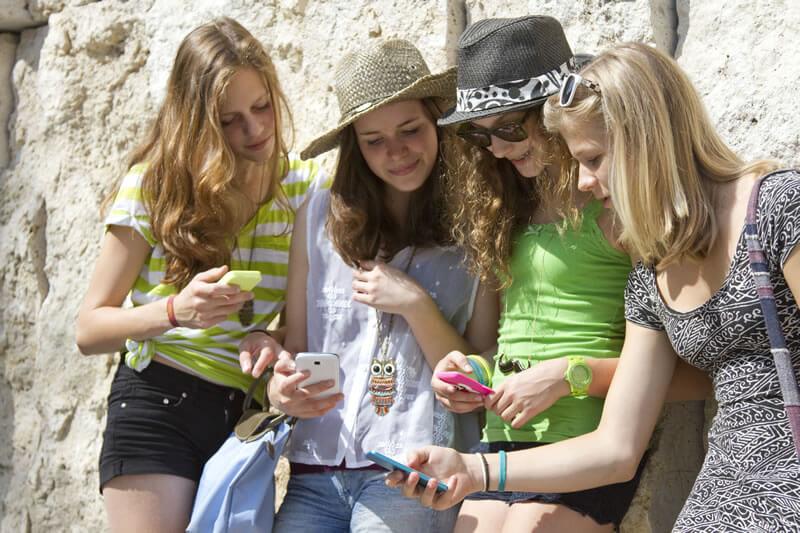 オーストラリアの若者が利用している人気アプリを紹介