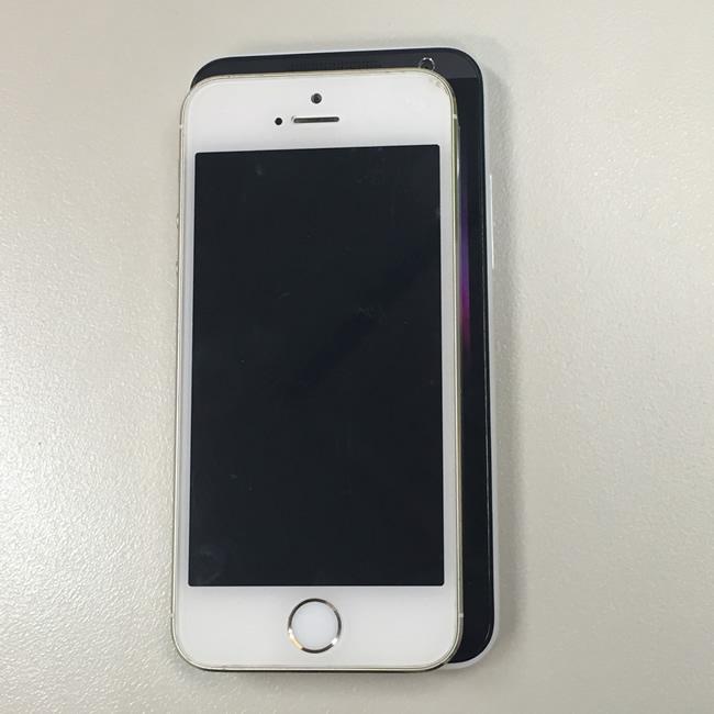 iPhon5S vs HTC300 画面サイズ